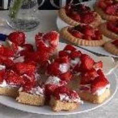 Erdbeerfest im MausHaus